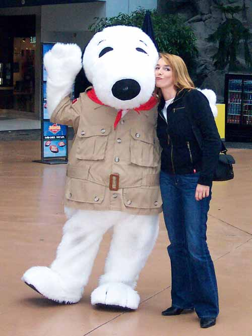 Mall of America - the biggest shopping mall ... with snoopy